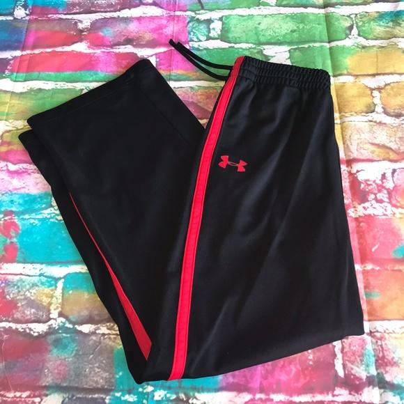 NWT Under Armour Boys XL Black//White//Dark Gray Loose Fit Knit Pants YXL